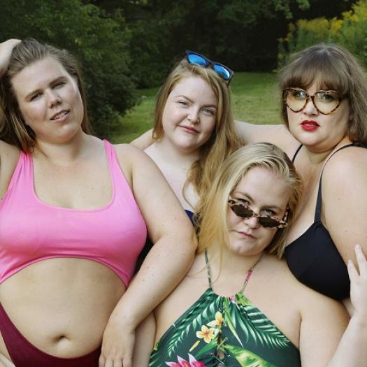 Fat Front  - Helene, Marte, Pauline and Wilde