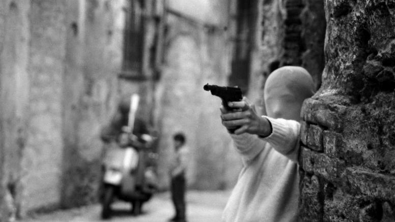 Shooting the Mafia - Armed child